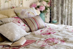 Vanessa_Embroidery_bed